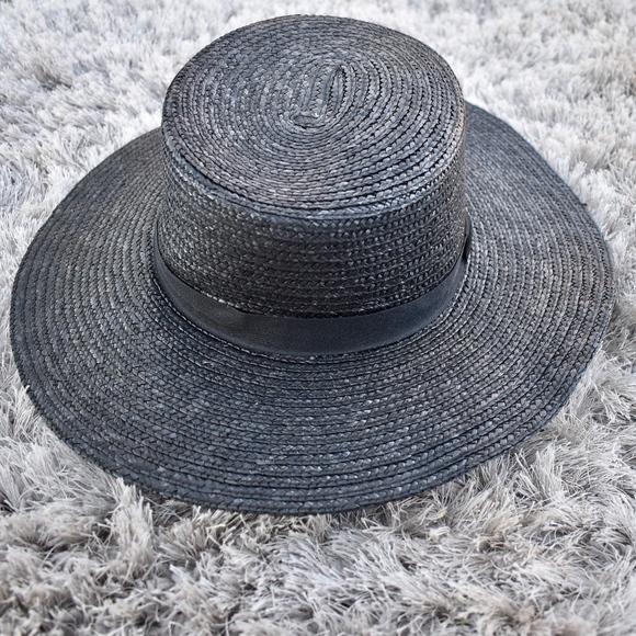 (Topshop) Black Straw Boater Hat. M 5a9394f58df470decdb3ed6b cda8379a057